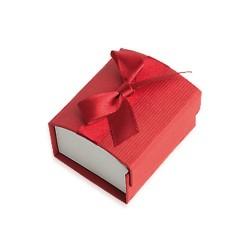 Ecrin cartonné rouge pour une bague petit noeud satin obrillant bijoux