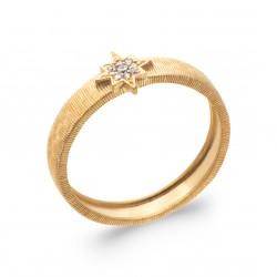 Bague en plaqué or avec une étoile pavé en oxydes de zirconium